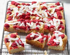 Raspberry and coconut tray bake. love raspberries and LOVE coconut. will have to try baking this! Coconut Recipes, Baking Recipes, British Pudding, Home Baking, Tasty Bites, Nigella, Fabulous Foods, Homemade Cakes, Tray Bakes