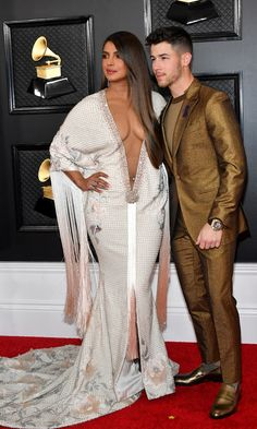 Priyanka Chopra nos ha impactado en su su paso en la red carpet de los Premios Grammy 2020 y todo gracias a su vestido. The post Priyanka Chopra en Ralph & Russo appeared first on Revista Caras. Indian Actress Hot Pics, South Indian Actress Hot, Bollywood Actress Hot Photos, Bollywood Actors, Indian Actresses, Nick Jonas, Los Grammy, Deepika Padukone Hot, Winona Forever