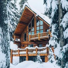Einrichten und Wohnen Emma Courtney: Friday Favourites: Cozy Cabin Bons Plans pour Mariage Express E Winter Cabin, Cozy Cabin, Snow Cabin, Cozy Winter, Winter House, Winter Snow, Savage, How To Build A Log Cabin, Cabin In The Woods