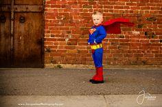 Super hero photo shoot of superman Superhero Photo Ideas, Superhero Pictures, Superhero Kids, Super Hero Photography, Boy Photo Shoot, Photo Shoots, Superman Photos, Superman Party, Boy Photos