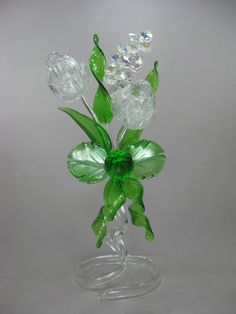 44 Creative Home Decor Everyone Should Keep Plastic Bottle House, Reuse Plastic Bottles, Plastic Bottle Flowers, Plastic Spoons, Recycled Bottles, Recycled Crafts, Glass Bottles, Bottle Art, Bottle Crafts