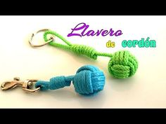 Cómo hacer un LLAVERO de BOLA con CORDÓN/ PUÑO DE MONO. - YouTube Paracord Keychain, Diy Keychain, Paracord Bracelets, Macramé Bracelets, Macrame Knots, Micro Macrame, Monkey Knot, Snake Knot, Origami Necklace