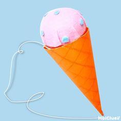 あつ〜い夏にひんやり冷たいアイスクリームはいかが? なんと!このアイスクリームには、けん玉遊びもできちゃうヒミツの仕掛けが… 作って楽しい!遊んで楽しい!アイディア溢れる製作遊び。