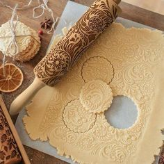 Flower Wood Rolling Pin Embossing Baking Cookies Biscuit Fondant Christmas Best pattern - get embossed and beautiful cookies with this rolling pin. Baking with embossing rolling pin can be a fun, especially for kids. 3d Christmas, Christmas Gift For You, Perfect Christmas Gifts, Christmas Cookies, Christmas Baking, Christmas Kitchen, Beautiful Christmas, Christmas Desserts, Christmas Traditions