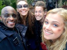 The 100 cast behind the scenes    Alycia Debnam-Carey, Eliza Taylor, Ricky Whittle and Katie Stuart    Lincoln, Monroe, Lexa and Clarke Griffin