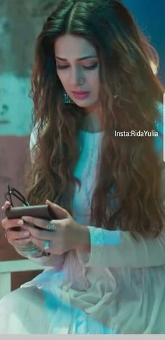 Dp by shao Psycho Girl, Jennifer Winget Beyhadh, Pic Pose, Wedding Hijab, Jennifer Love, Girly Pictures, Bollywood Actress, Bollywood Fashion, Girls Dpz