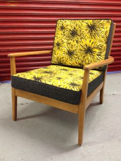 Retro Heals Chair : 1950's barkcloth & Abraham Moon Wool by apeculiargrace on Etsy https://www.etsy.com/listing/233955509/retro-heals-chair-1950s-barkcloth