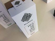 """© Julien Rousselet - Packaging pour la marque  """" Bearded """",  huile de pré-rasage.  2015.  Atelier de Communication Visuelle & Graphique de l'ESA Académie des Beaux-Arts de Tournai."""