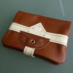 Ausweistasche Leder von Nandi - Upcycled Art & Craft - alle handgemachten Taschen und Börsen: http://de.dawanda.com/shop/NandiShop
