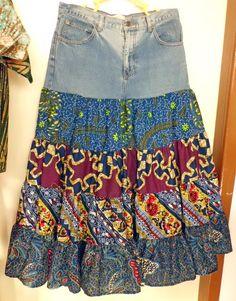 Telas de algodon con estampados coloridos y un levis que ya no uses es lo que necesitas para esta hermosa falda