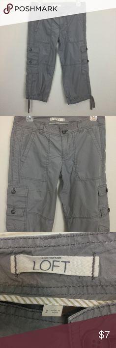 ANN TAYLOR LOFT GRAY CARGO CAPRIS PANTS See my other cute items**  size 2, cotton. Ann Taylor LOFT Pants Capris