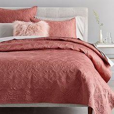Designer Bedding Sets On Sale Code: 4683243101 Comforter Sets, Bedding Shop, Linen Bedding, Bed Linens, King Comforter, Floral Bedding, Bedding Sets Online, Luxury Bedding Sets, Bed Sets