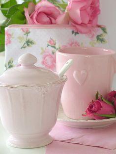 need the pink heart mug...