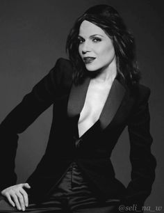 OMG THIS IS THE HOTTEST PIC OF HER EVER I NEED A COLD SHOWER DUFKCMSNSHEJ LANA PARRILLA IN A SUIT I SUPPORT THIS