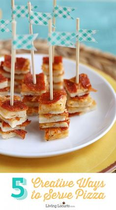 5 Creative Ways to Cut and Serve Pizza. Perfect ideas for a party! Party Snacks, Appetizers For Party, Appetizer Recipes, Pizza Appetizers, Good Food, Yummy Food, Yummy Snacks, Pizza Party, Tapas Party