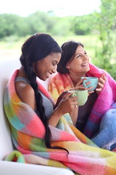 Hinterveld weaves designer mohair, wool and other natural fibre blankets, throws and scarves.