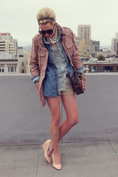 LOVE the poof hair with the tortoiseshell headband. I need to layer more. And find a pair of nude wedges.