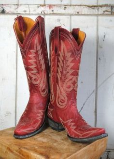 Wanting something like these to become a real Texas girl. Too bad they're almost $400. Can someone tell me where to get cheap boots?