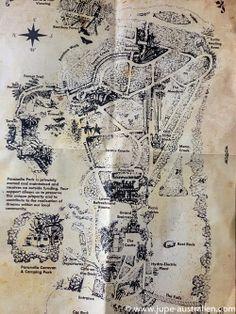 ein(e) gaudí im urwald & paronella park Gaudi, Vintage World Maps, Park, Australia, Viajes, Parks, Antoni Gaudi