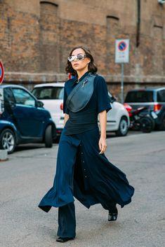 Uk Fashion, Trendy Fashion, Womens Fashion, Milan Fashion, Fashion Trends, Caroline Issa, Gucci Coat, Italian Luxury Brands, Carine Roitfeld