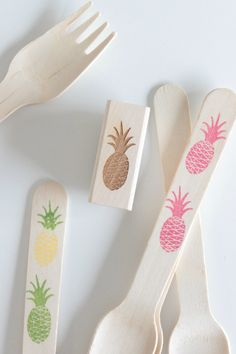 Stamped Wooden Utensil Kit - Includes Pineapple Stamp, Wooden Utensils & Ink