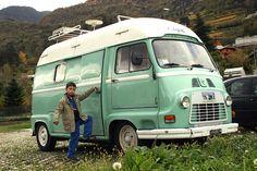 Renault Estafette Camper Caravan, Truck Camper, Camper Van, Bike Cart, Classic Campers, Cool Campers, Cool Vans, Van Camping, Vintage Trucks