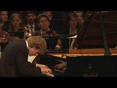 W. A. Mozart - Piano Concerto No. 20 in D minor, K. 466 - Jan Lisiecki - YouTube