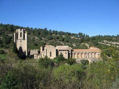 ABBAYE DE LAGRASSE — Destination Carcassonne