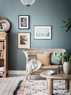 A living room with evening green / blue walls, rattan chair and bled rug. A living room with evening green / blue walls, rattan chair and bled rug. Living Room Accents, Living Room Green, Living Room White Walls, Blue Rooms, Blue Walls, Blue Accent Walls, Blue Accents, Home Design, Home Interior Design