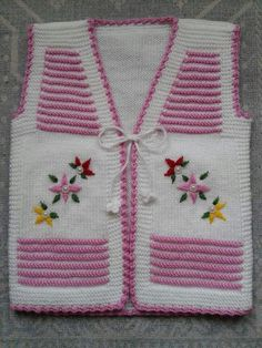 Baby Cardigan Knitting Pattern Free, Baby Poncho, Knit Baby Dress, Knit Baby Booties, Crochet Baby Clothes, Baby Knitting Patterns, Hand Knitting, Crochet Butterfly Free Pattern, Baby Girl Sweaters