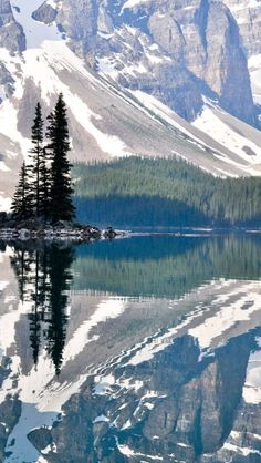 Camping Places To Go :Moraine Lake Rocky Mountains Canada Places To Travel, Places To See, Travel Destinations, Camping Places, Beautiful World, Beautiful Places, Beautiful Scenery, Places Around The World, Rocky Mountains