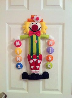 clown Baby Crafts, Felt Crafts, Diy And Crafts, Crafts For Kids, Arts And Crafts, Felt Mobile, Baby Mobile, Felt Templates, Felt Wreath