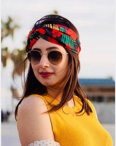 Komal Aziz Khan Talks About Her Tough Journey Stylish Girl Images, Stylish Girl Pic, Pakistani Actress, Bollywood Actress, Cute Girl Photo, Cool Girl, Pakistan Fashion Week, Frock Fashion, Fashion Outfits