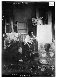 Marcel Duchamp fue un artista y ajedrecista francés. Especialmente conocido por su actividad artística, su obra ejerció una fuerte influencia en la evolución del movimiento pop en el siglo XX.