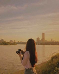 Find images and videos about girl, love and pretty on We Heart It - the app to get lost in what you love. Korean Aesthetic, Aesthetic Photo, Aesthetic Girl, Aesthetic Pictures, Ulzzang Korean Girl, Cute Korean Girl, Ulzzang Couple, Couple Photography Poses, Tumblr Photography