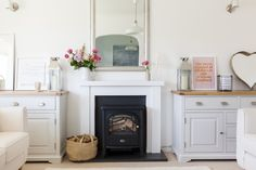 A Charming English Country Bungalow with a Modern Twist — House Tour