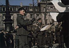 Musique militaire, place de la République.