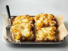 Lämpimät broilerileivät Mozzarella, Macaroni And Cheese, Ethnic Recipes, Food, Essen, Mac And Cheese, Yemek, Meals