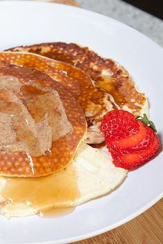 Finally, a protein pancake with almost no carbs or fat. Get your flapjack freak on with this quick-as-you-please treat!