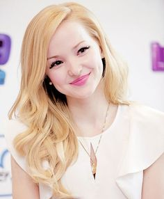 Image from http://celebrityinside.com/wp-content/uploads/2014/12/Dove-Cameron-Biography.jpg.
