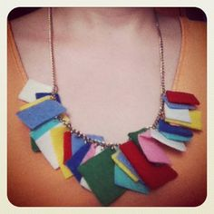 DIY Easy Felt Squares Necklace Tutorial from Wurm here. Easy for kids to cut out the felt and for a grownup to do the rest. Translate with Chrome or translator on site, but this is an easy DIY.