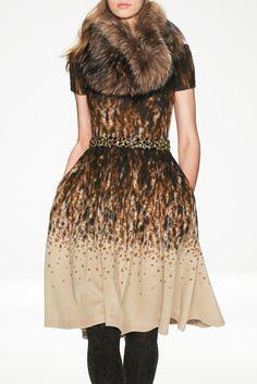 Badgley Mischka fall/winter 2014 collection – New York fashion week Fashion Wear, Runway Fashion, High Fashion, Fashion Show, Womens Fashion, Fashion 101, Fashion Design, Fashion Trends, Autumn Winter Fashion