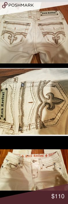 """Rock Revival Pilkin sz.24 inseam 24 Literally in brand new condition... White Rock Revival """"pilkin"""" Style ...skinny fit! size 24 Jean with an inseam of about 23 to 24 in. Gorgeous & glizy for sure!! Plus Victoria's Secret freebies with any purchase from my closet💖💖 Rock Revival Jeans Skinny"""