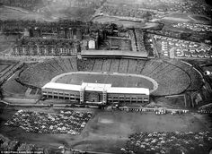 A delightful view from the skies here of Hampden Park in during a clash between Scotland and England. The visitors won the game in front of a huge crowd of The record attendance at the stadium is for a match between Scotland and England in 1937 West Ham United Fc, Leeds United, Glasgow, Stadium Architecture, Hampden Park, Image Foot, British Football, Paisley Scotland, School Football