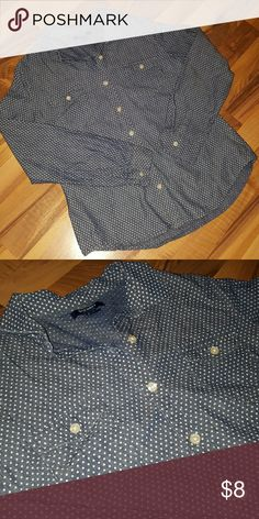 Old Navy Blue & White Polka Dot Button Down Old Navy Blue & White Polka Dot Button Down Fitted Blouse. Old Navy Tops Button Down Shirts