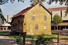 Bratislava, Cabin, House Styles, Home Decor, Fotografia, Decoration Home, Room Decor, Cabins, Cottage
