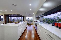 Cocina moderna en colores lisos.  Espectacular