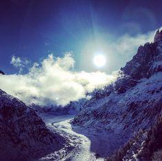 Mont Blanc Chamonix France [OC] [3264-2448] hashslingingslashr23 http://ift.tt/2BDXxn5 December 02 2017 at 03:00AMon reddit.com/r/ EarthPorn