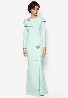 Jovian Mandagie for Zalora Kaila Baju Kurung Modesty Fashion, Muslim Fashion, Fashion Dresses, Abaya Fashion, Hijab Fashionista, Casual Summer Outfits For Women, Festival Outfits, Modest Outfits, Traditional Outfits