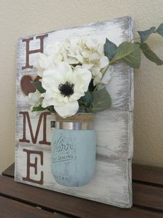 Handmade Home Decor For Your Own Personal Touch – DecorativeAllure Mason Jar Projects, Mason Jar Crafts, Mason Jar Diy, Hanging Mason Jars, Mason Jar Kitchen Decor, Pots Mason, Solar Mason Jars, Mason Jar Lamp, Easy Home Decor